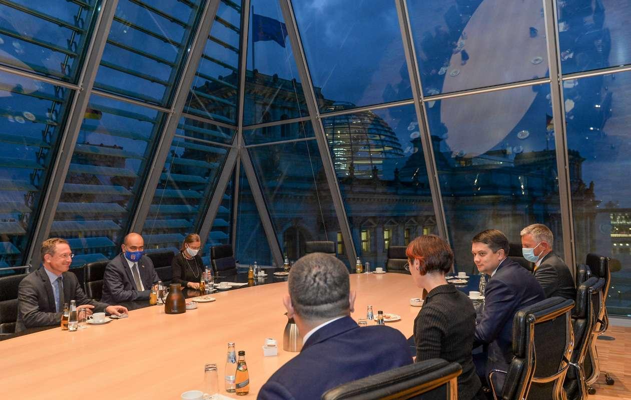 «Парламентські групи дружби є одним із головних інструментів розвитку міжпарламентських відносин між Україною і Німеччиною», - Дмитро Разумков